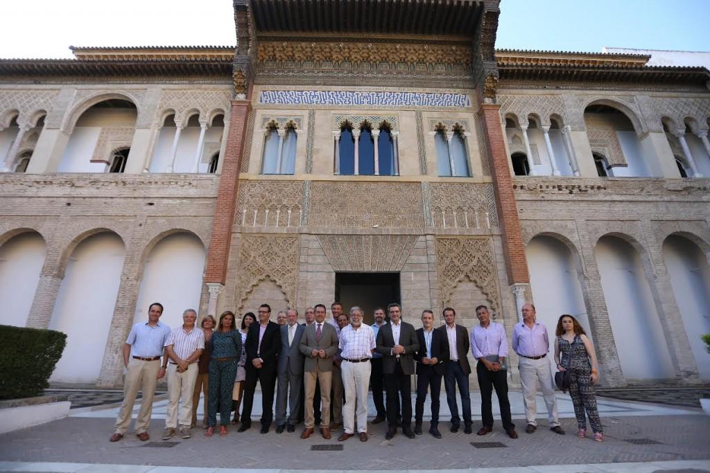 SEVILLA. 29.7.15. Reunion del alcalde de Sevilla, Juan Espadas, con alcaldes metropolitanos. En el Real Alcazar