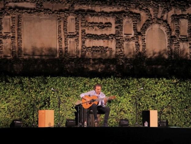 Concierto de Juan Carlos Romeros en la Noche de los Jardines del Real Alcázar